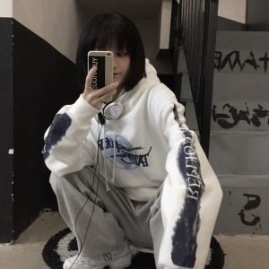 Graffiti And Lettering Print Oversized Hoodie - My Sweet Outfit - EGirl Outfits - Soft Girl Clothes Aesthetic - Grunge Korean Fashion Hip Emo Rap (1)