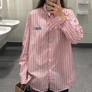 Loose Striped Shirt With Pockets and Embroidery - My Sweet Outfit - EGirl Outfits - Soft Girl Clothes Aesthetic - Grunge Korean Fashion Hip Emo Rap (2)