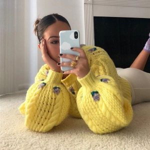 Flower Patterns Delicate Yellow Warm Knitted Top - My Sweet Outfit - eGirl Outfits - Soft Girl Clothes Aesthetic - Grunge Korean Artsy - Cosplay -Anime - Fashion Hip Emo Rap Accessories (2)