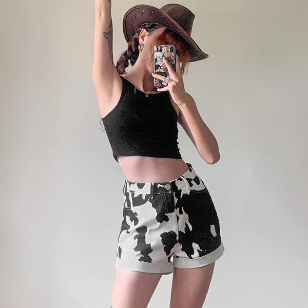 Сow Print High-Waisted Shorts - My Sweet Outfit - eGirl - SoftGirl Clothes Aesthetic - Goth - Grunge - Vintage Black - Y2k - Fashion - itGirl 3
