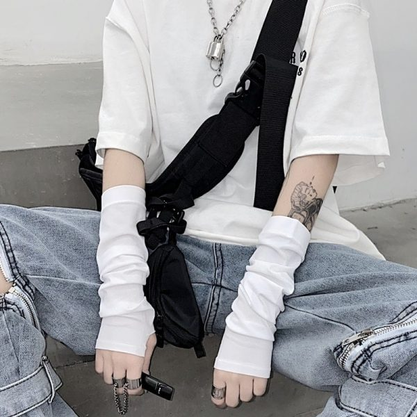 Baggy Fingerless Gloves - My Sweet Outfit - eGirl - SoftGirl Clothes Aesthetic - Goth - Grunge - Vintage Black - Y2k - Fashion - itGirl (4)