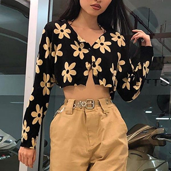 Romantic Flower Print Top With Buttons - My Sweet Outfit - eGirl - SoftGirl Clothes Aesthetic - Goth - Grunge - Vintage Black - Y2k - Fashion - itGirl 2