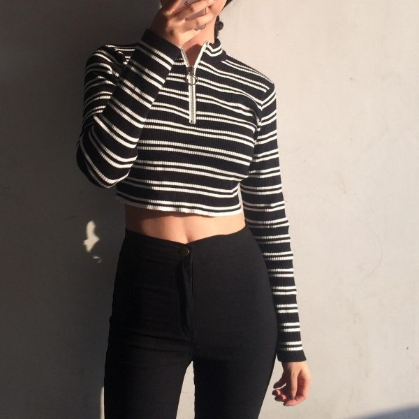 Ring Zip Light Short Tabby Sweater - My Sweet Outfit - eGirl - SoftGirl Clothes Aesthetic - Goth - Grunge - Vintage Black - Y2k - Fashion - Softie 1