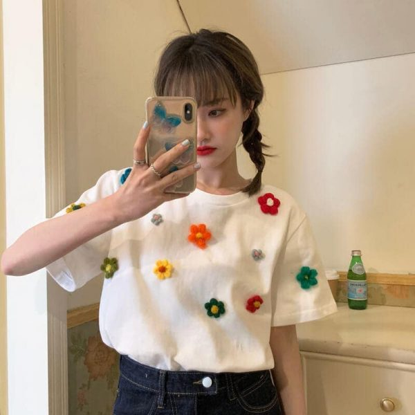 T-shirt With A Scattering Of Multicolored Knitted Flowers - My Sweet Outfit - eGirl - SoftGirl Clothes Aesthetic - Goth - Grunge - Vintage Black - Y2k - Fashion - Softie 1
