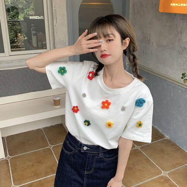 T-shirt With A Scattering Of Multicolored Knitted Flowers - My Sweet Outfit - eGirl - SoftGirl Clothes Aesthetic - Goth - Grunge - Vintage Black - Y2k - Fashion - Softie 4