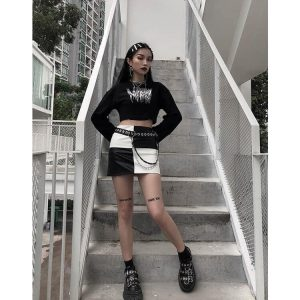 Checkered Dark Goth Aesthetic PU Skirt - My Sweet Outfit - eGirl - SoftGirl Clothes Aesthetic - Goth - Grunge - Vintage Black - Y2k - Harajuku style - Softie 3