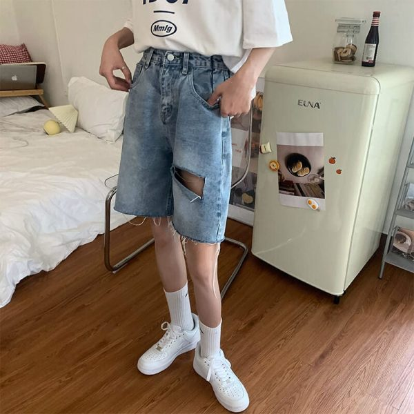 Five-Point Raw Edge Ripped Denim Shorts - My Sweet Outfit - eGirl - SoftGirl Clothes Aesthetic - Goth - Grunge - Vintage Black - Y2k - Harajuku style - Softie 1