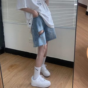 Five-Point Raw Edge Ripped Denim Shorts - My Sweet Outfit - eGirl - SoftGirl Clothes Aesthetic - Goth - Grunge - Vintage Black - Y2k - Harajuku style - Softie 2