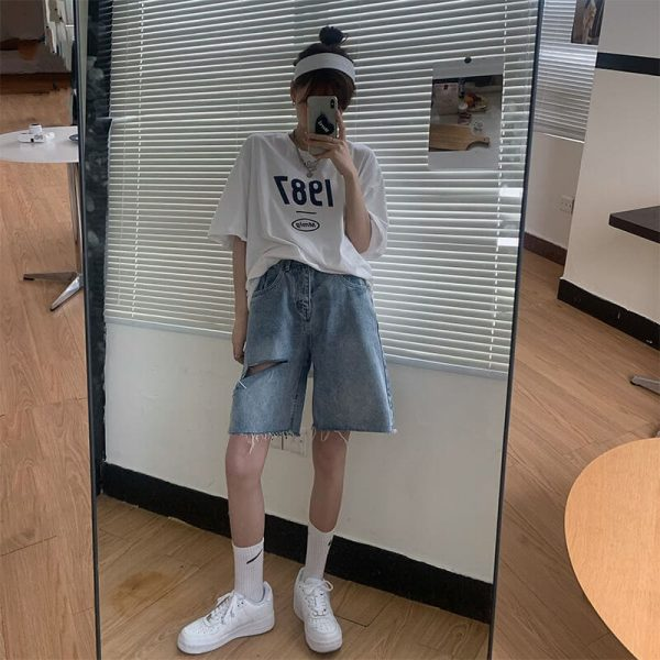 Five-Point Raw Edge Ripped Denim Shorts - My Sweet Outfit - eGirl - SoftGirl Clothes Aesthetic - Goth - Grunge - Vintage Black - Y2k - Harajuku style - Softie 3